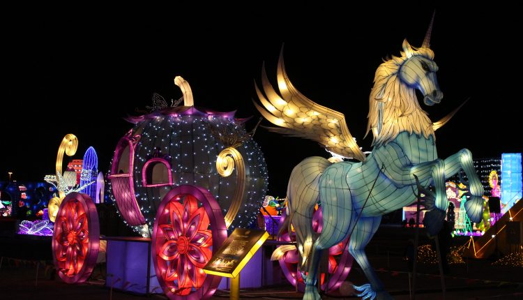 PHOTO: Pegasus drawn carriage as part of the Magical Winterland display. Photo by The Signal reporter Bianca Salazar.