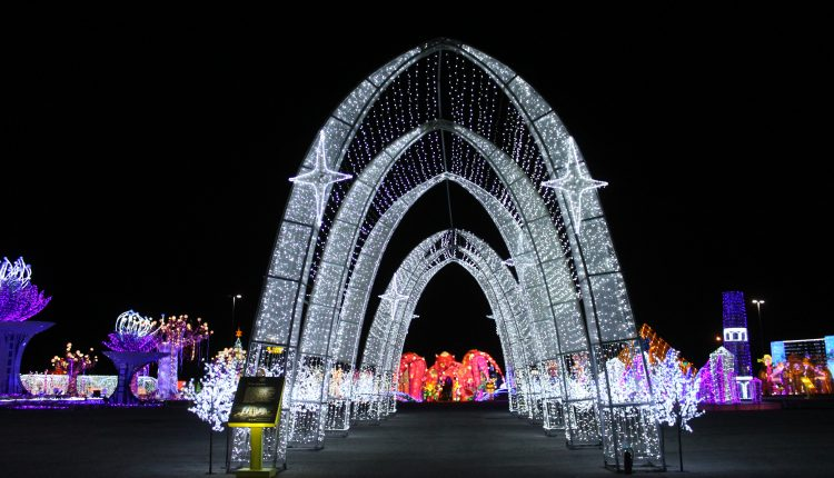 PHOTO: A lit walkway illuminating the path to the next attraction. Photo by The Signal reporter Bianca Salazar.