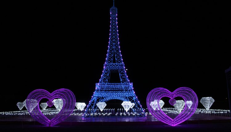 PHOTO: The Eiffel Tower surrounded by lit diamonds and hearts on display at the Landmarks of the World attraction. Photo by The Signal reporter Bianca Salazar.